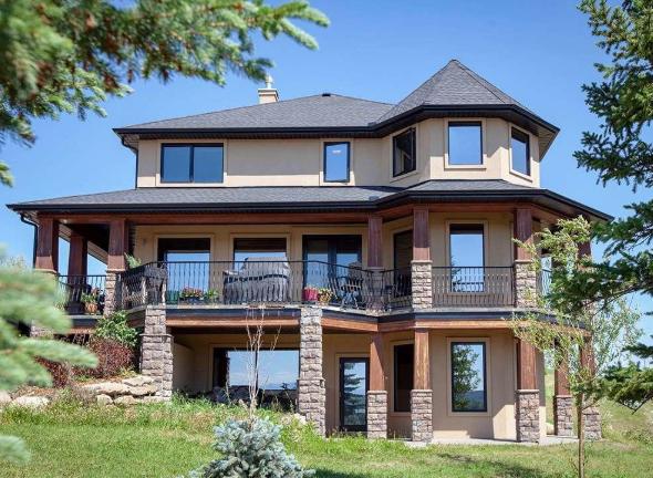 mujer sortea su casa al no conseguir venderla
