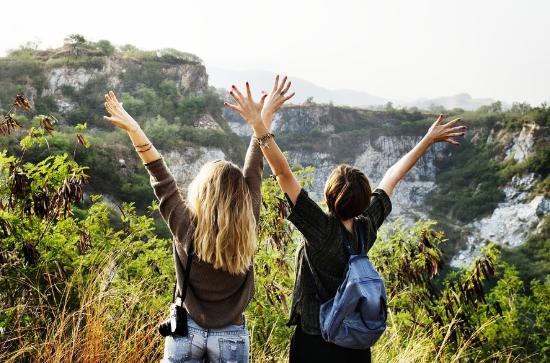 viajar con tu amigas da mas felicidad que casarte
