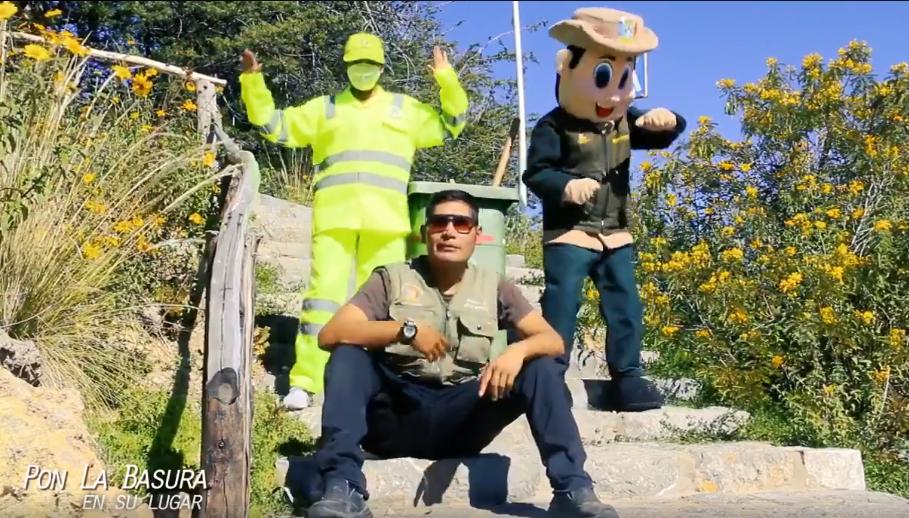 Hacen versión de 'Scooby Doo Papa' en Puno para mantener limpia la región
