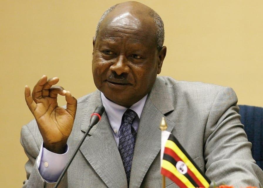 Uganda es el primer país que cobrará impuestos por usar redes sociales