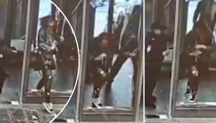 Muchacha rompe puerta de cristal por andar distraída con su teléfono celular