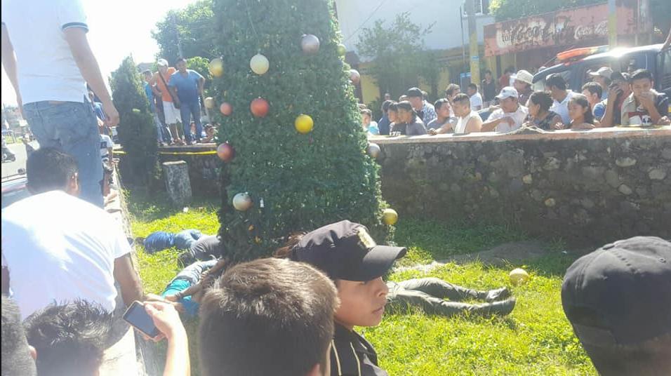 cinco jóvenes mueren cuando adornaban árbol de navidad