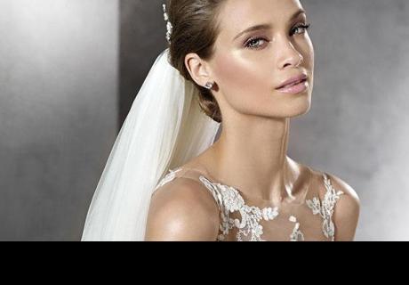 Vestido de novia ha causado críticas en redes sociales por esta razón