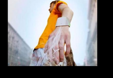 'Hand tree': esta pulsera purifica el aire mientras caminas
