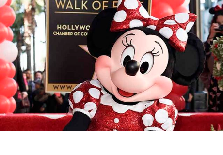 La adorable Minnie Mouse recibió estrella en el Paseo de la Fama de Hollywood