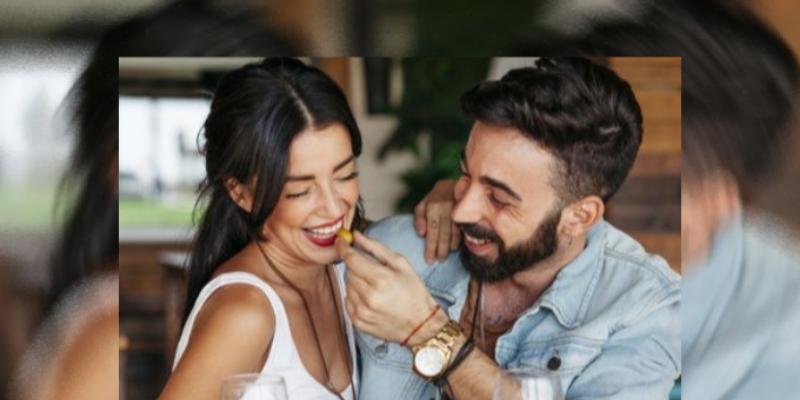 Una 'noche de copas' con tu pareja hará que permanezcan unidas, asegura estudio