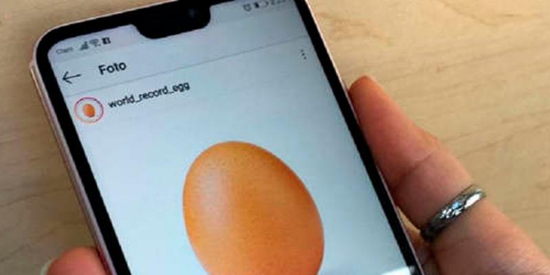 Esta es la verdad detrás del huevo que rompió el récord de Instagram