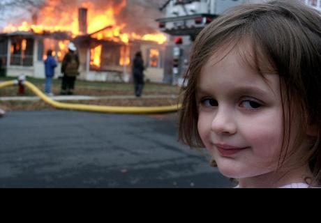 ¿Recuerdas a la niña incendiaria? No te imaginas cómo se ve ahora que creció