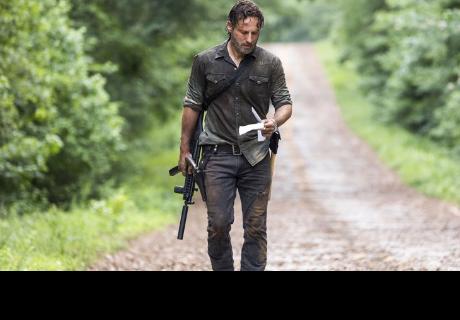The Walking Dead: Robert Kirkman reveló que Rick Grimes podría perder su mano como en la serie