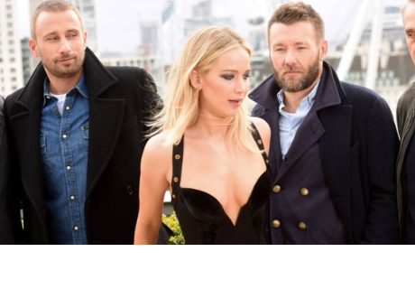 Jennifer Lawrence responde a polémica sobre escotado vestido