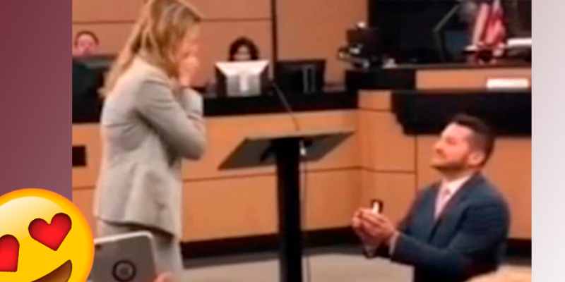 Abogado organizó un caso falso para pedirle la mano a su pareja