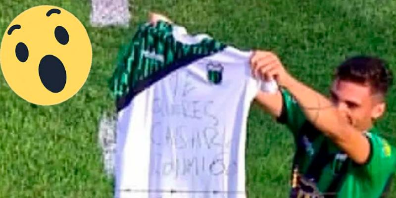 Un futbolista argentino le pidió matrimonio a su pareja en pleno partido