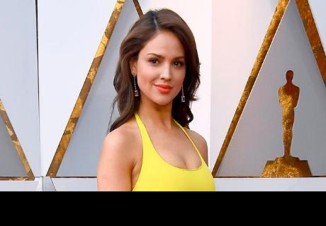 Eiza González es blanco de memes por vestido de los Oscar 2018