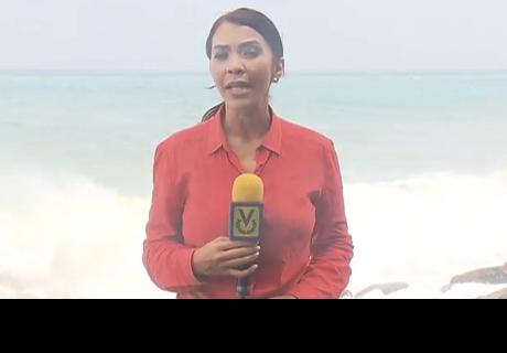 Una periodista venezolana informaba en directo de un temporal, cuando ocurrió esto