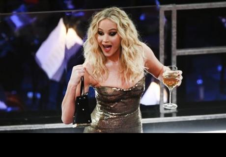 Jennifer Lawrence admite haber estado 'pasada de copas' durante la Premiere de 'Operación Gorrión Rojo'