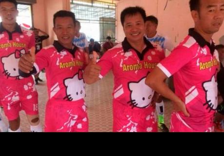 Hello Kitty es la nueva imagen de camisetas de equipo de fútbol vietnamita