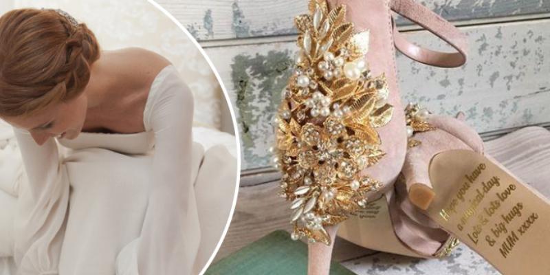 Mujer recibió de regalo zapatos de boda con mensaje de su madre que hizo llorar a cibernautas