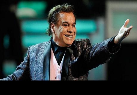 Exmanager de Juan Gabriel asegura que el cantante fingió su muerte