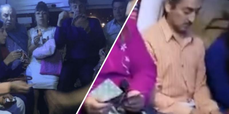 Pasajeros de transporte público se aburren del tráfico y deciden apostar jugando cartas