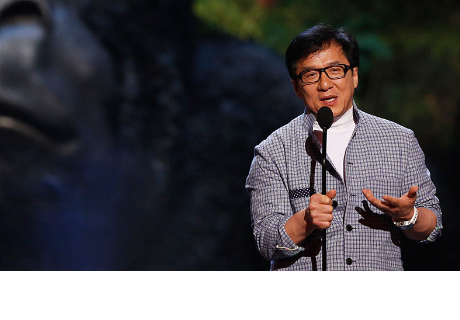 La hija de Jackie Chan se viraliza con un conmovedor video