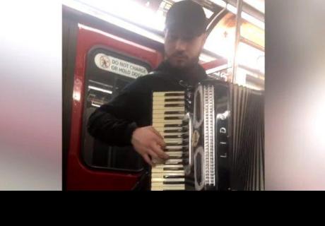 Joven es detenido en metro de Canadá por tocar 'Despacito'
