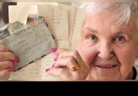 Mandó carta de amor a su novio militar y se la devuelven 57 años después