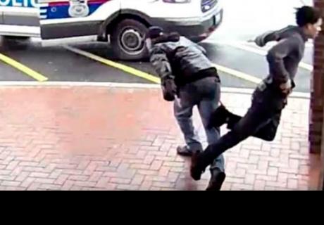 Delincuente era perseguido por la policía, hombre le pone el pie y el final es increíble