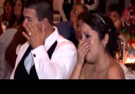 Padre de la novia no quiso hablar en la boda, pero movió sus manos y emocionó a todos