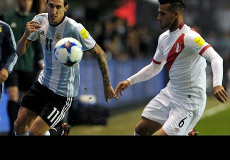 Periodista argentino considera que Perú tiene más equipo que su selección