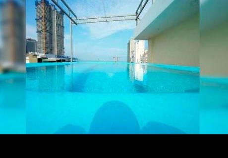 Hotel la encantó con agradable piscina, pero al llegar vivió amarga experiencia