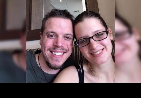 En sus planes estaba pedirle matrimonio, pero su novia lo dejó su mejor amigo
