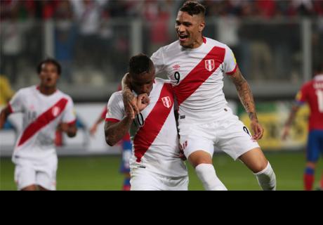 Paolo Guerrero y Jefferson Farfán se unieron en emotivo abrazo tras primer gol
