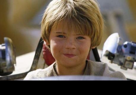 ¿Recuerdas al tierno Anakin de Star Wars? Hoy vive una desgarradora realidad y luce irreconocible