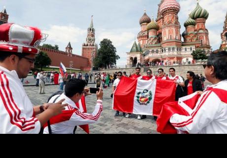 Hincha peruano puso en riesgo su salud para lograr ir al Mundial Rusia 2018