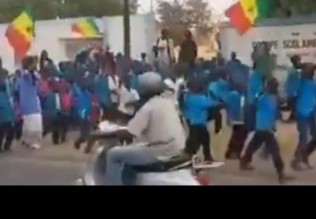 Celebración de unos niños por la victoria de Senegal frente a Polonia conmueve las redes