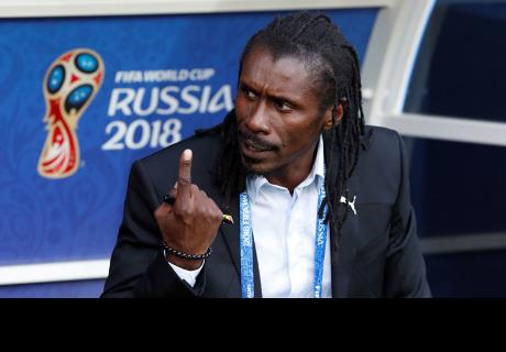 Gesto triunfal del entrenador senegalés en el Mundial 2018 se convierte en un meme