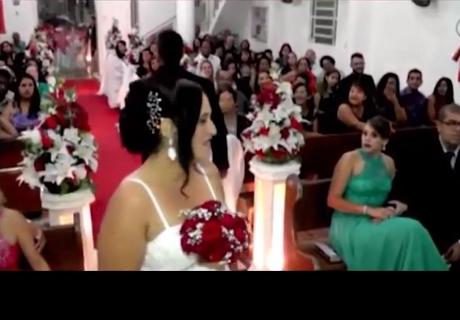 Boda se realizaba sin problema, el novio abandonó la iglesia y dejó a todos en shock