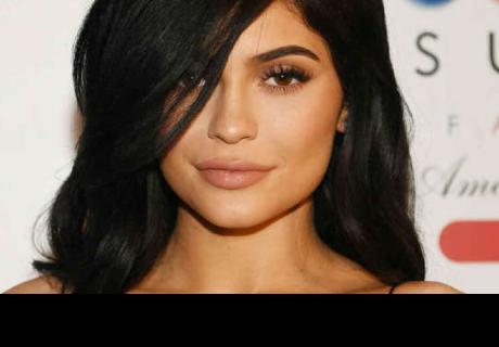 Kylie Jenner se quitó el relleno de los labios y así lucen ahora