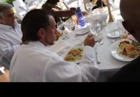 Canceló su lujosa boda y ofreció el banquete a personas sin hogar
