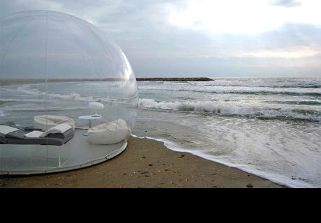 Conoce esta burbuja que te permite dormir bajo el cielo estrellado