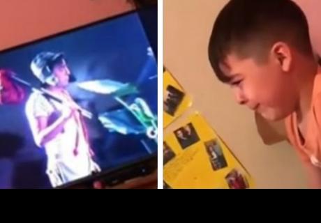 Niño llora desconsoladamente al ver el capítulo más triste de 'El chavo del 8'