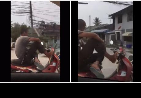 Juega con la muerte mientras conduce motocicleta