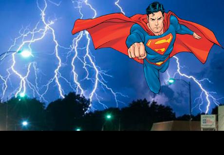 Estados Unidos: adolescente sobrevive al impactado de un rayo y ahora se cree 'Superman'