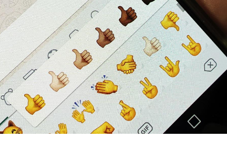Este es el significado del emoji del pulgar arriba de WhatsApp