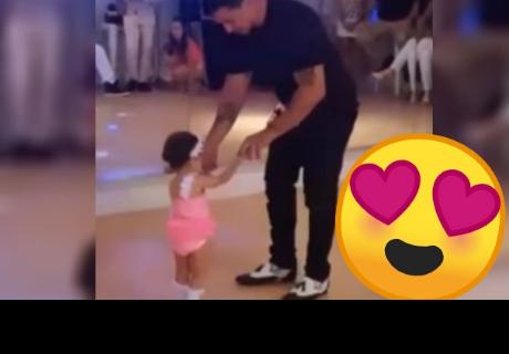 Padre e hija demuestran todo su talento para el baile y se vuelven viral