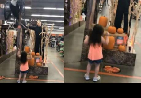 Niña baila aterradora canción de Halloween y es viral en redes sociales