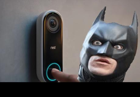 Un timbre inteligente le impide entrar a su casa al propio dueño por confundirle con Batman