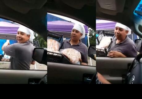 El divertido método de un vendedor ambulante que 'arrancó' carcajadas en la red