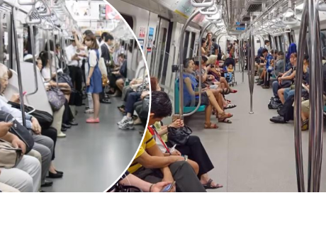 Mujer cedió el asiento a un abuelito en el tren y luego sucedió algo que nadie imaginó