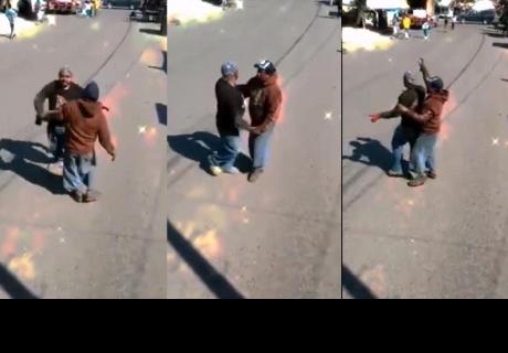 Hombres bailan cumbia en plena calle y hacen reír a más de uno en la red